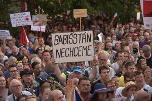 Demonstrace nemají smysl, Babiš by je měl ignorovat, řekl Zeman