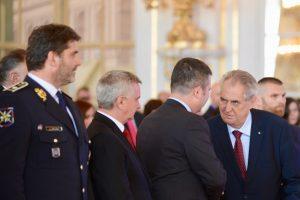 Prezident Zeman na Pražském hradě ocenil vítěze ankety Policista roku