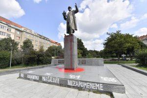 Odstranění sochy Koněva